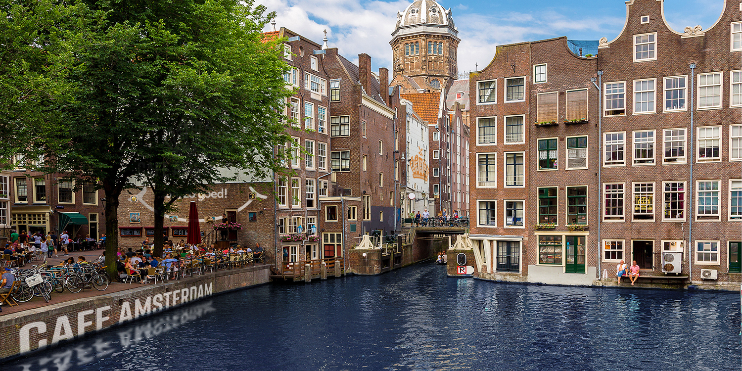 With Cafe Amsterdam, you'll feel as if you're enjoying a real Dutch treat alongside a canal in Amsterdam
